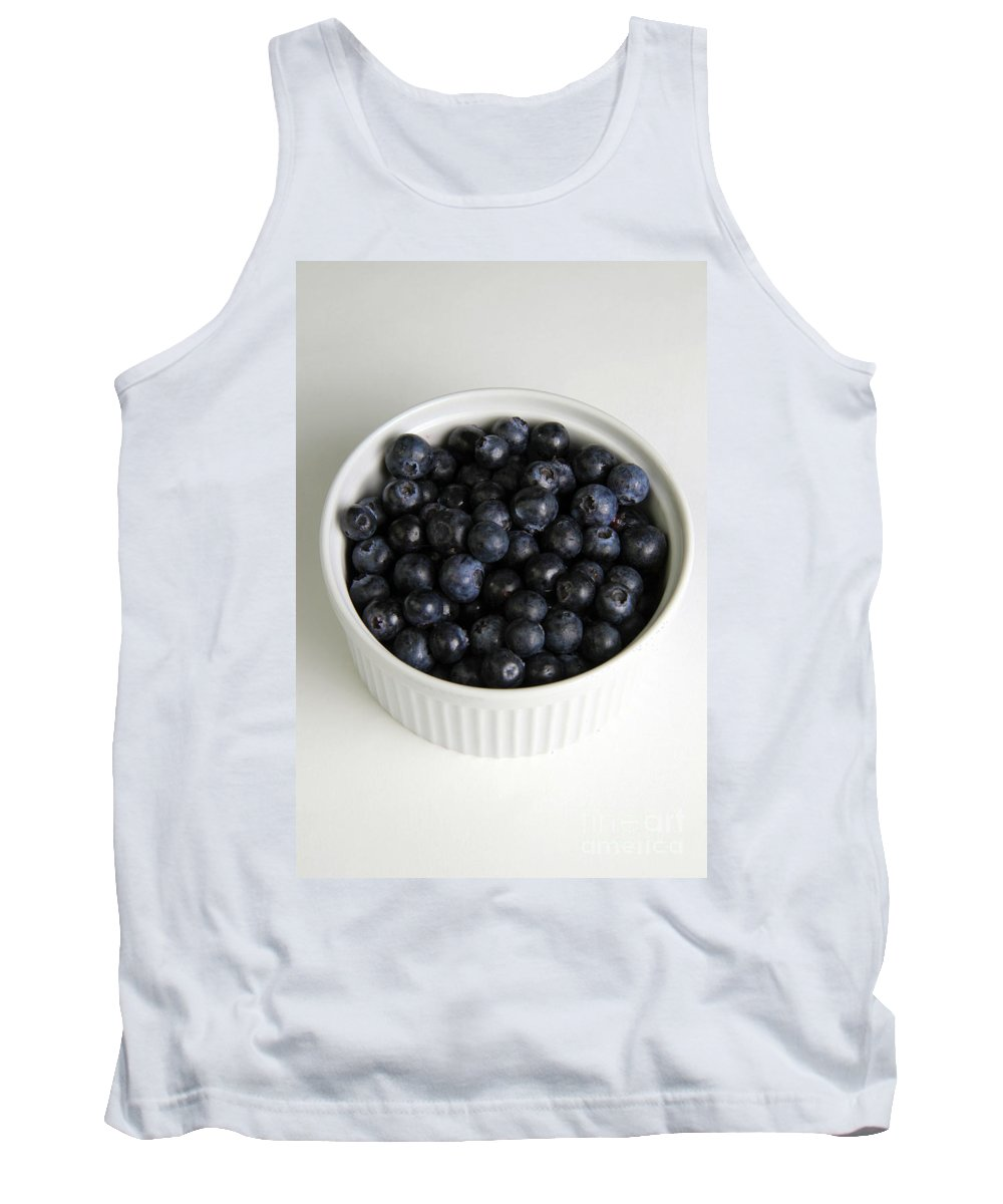 Vaccinium Tank Top featuring the photograph Bowl Of Blueberries by Photo Researchers, Inc.
