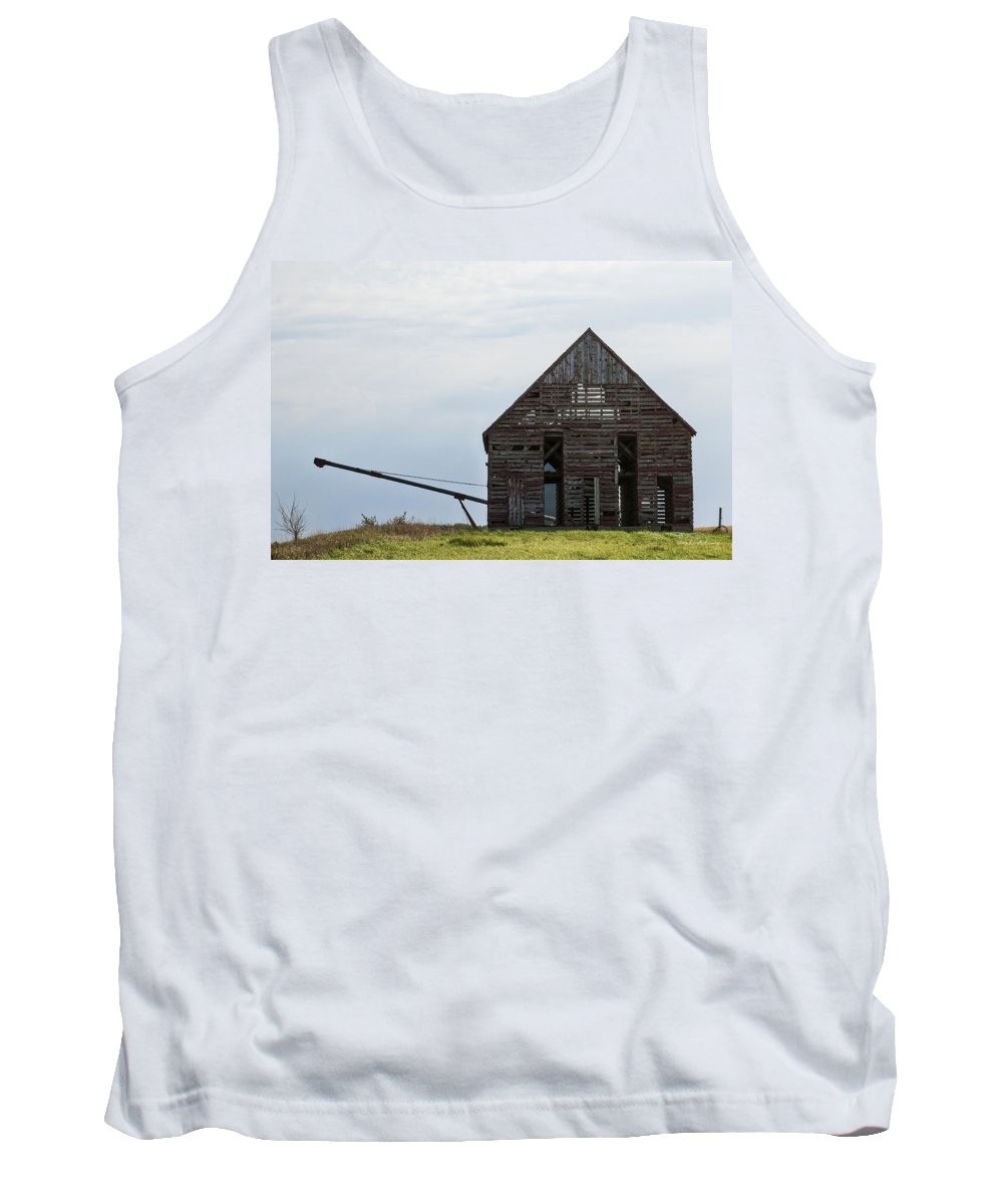 Barns Tank Top featuring the photograph Corncrib by Edward Peterson