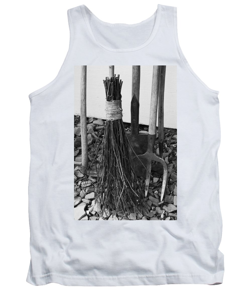 Hoe Tank Top featuring the photograph Country Bliss by Phil Cappiali Jr