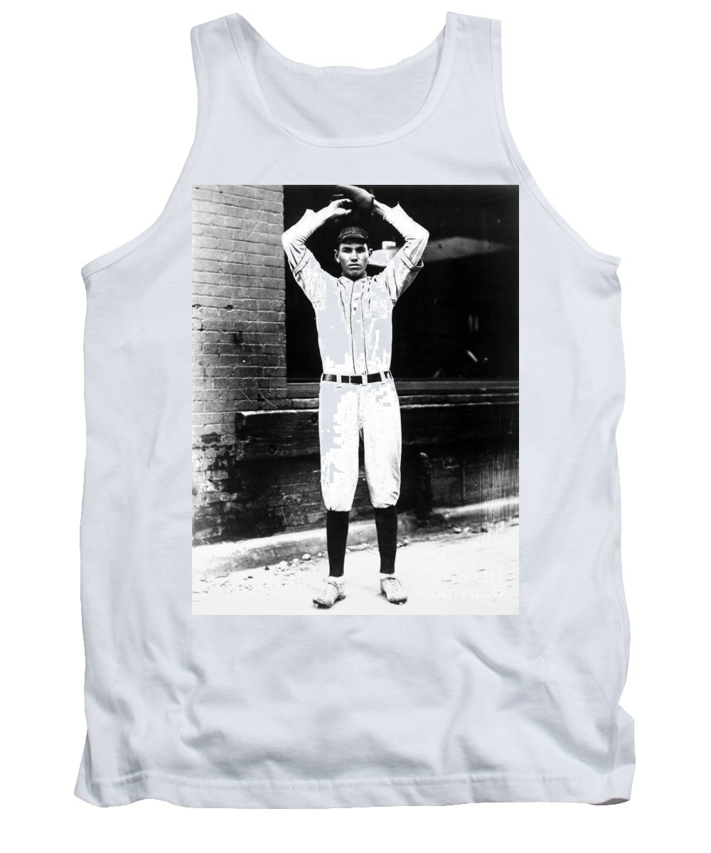 1920s Tank Top featuring the photograph Dizzy Dean (1911-1974) by Granger