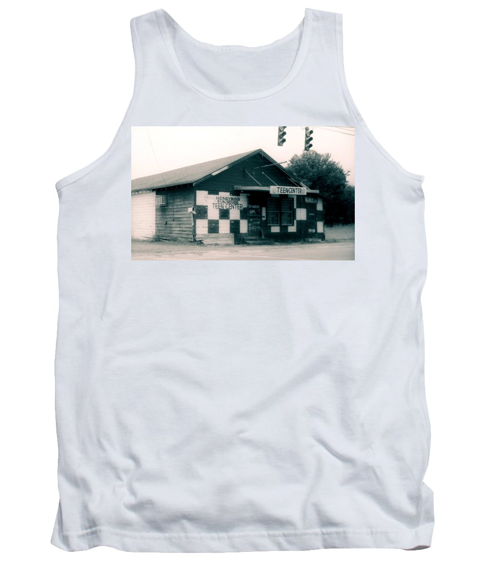 Louisiana Tank Top featuring the photograph Honeybuns Fun House 1 by Doug Duffey