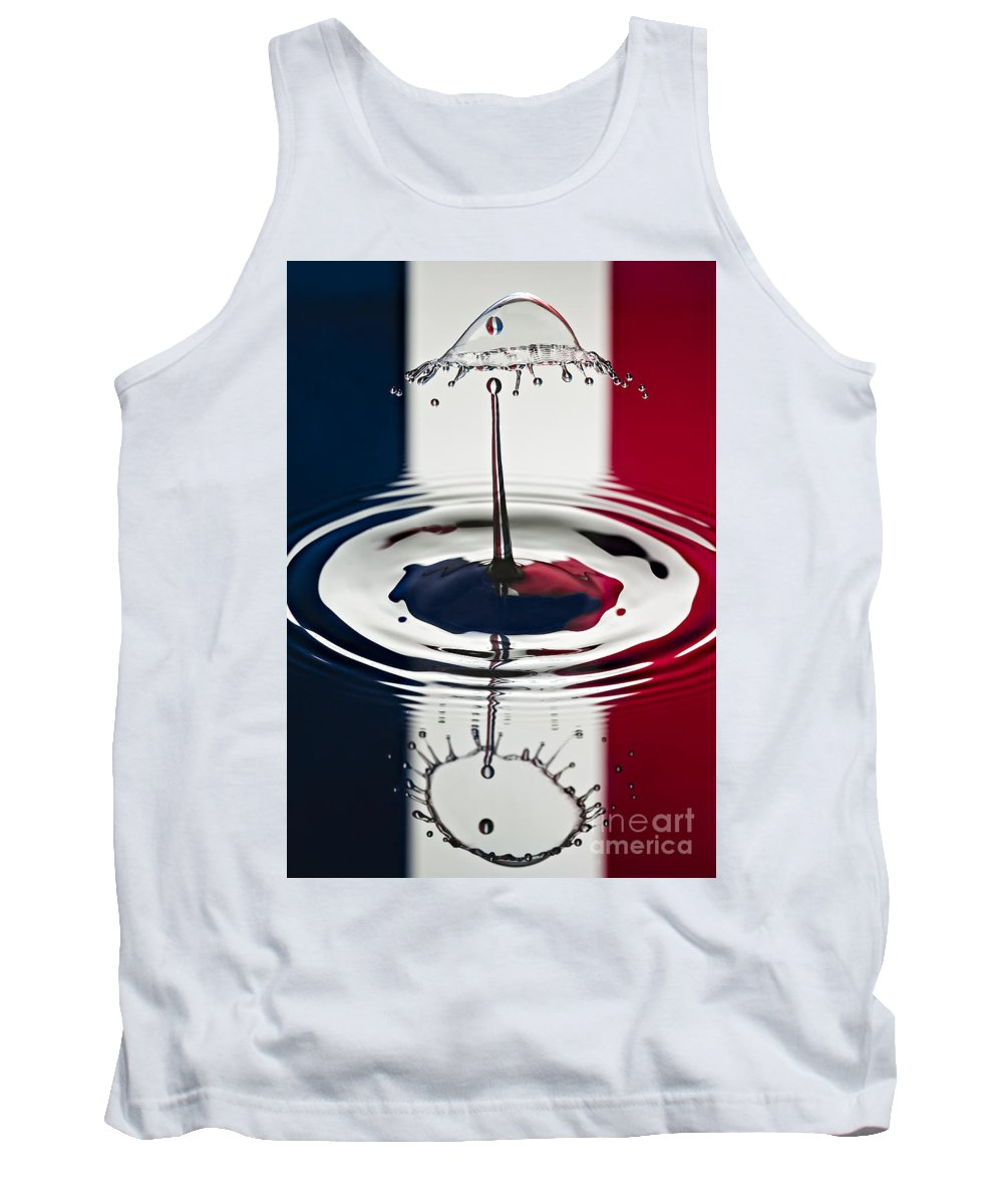 Water Drops Tank Top featuring the photograph Standing Tall by Susan Candelario