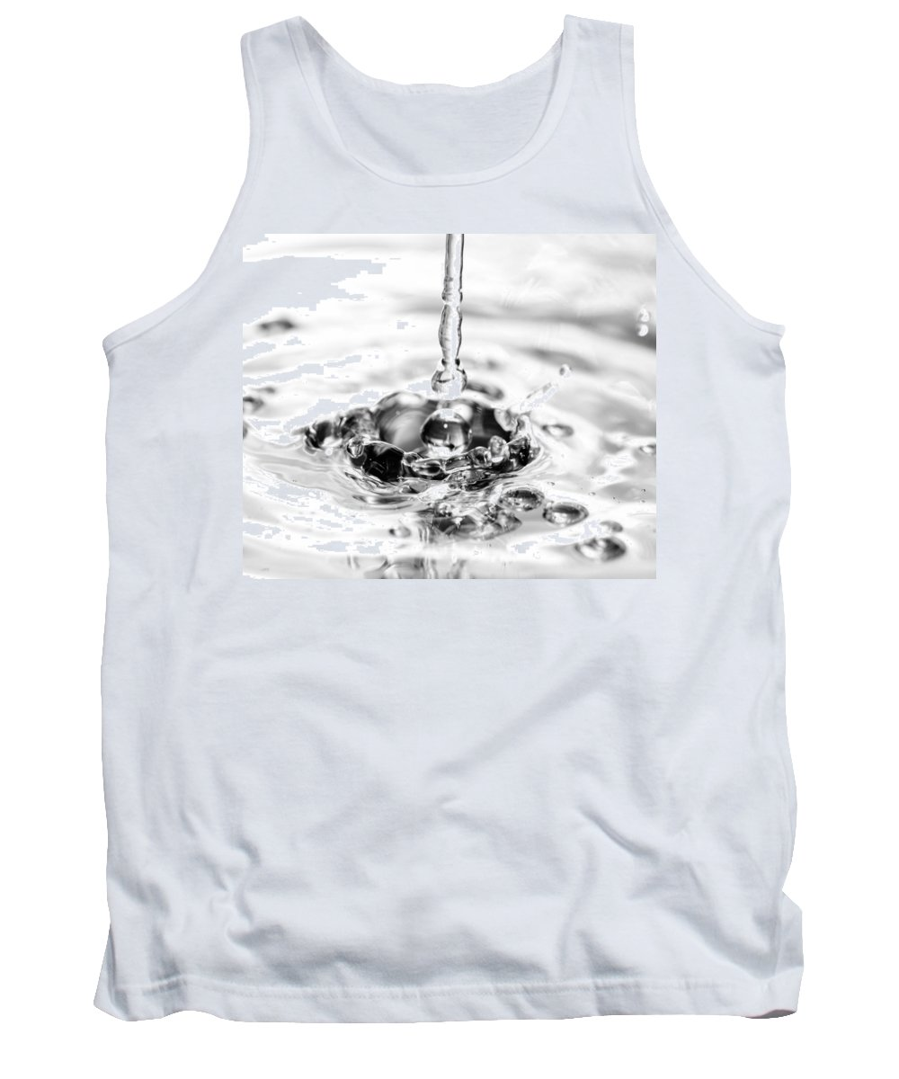 Water Tank Top featuring the photograph Waterdrop16 by Danielle Silveira