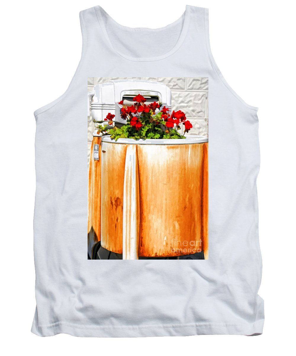 Washing Tank Top featuring the photograph Antique Speed Queen Washing Machine by Kathleen K Parker
