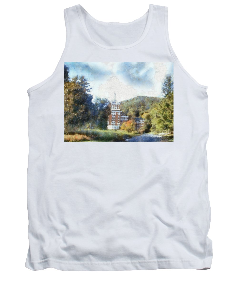 Homestead Tank Top featuring the photograph Approaching The Homestead by Paulette B Wright