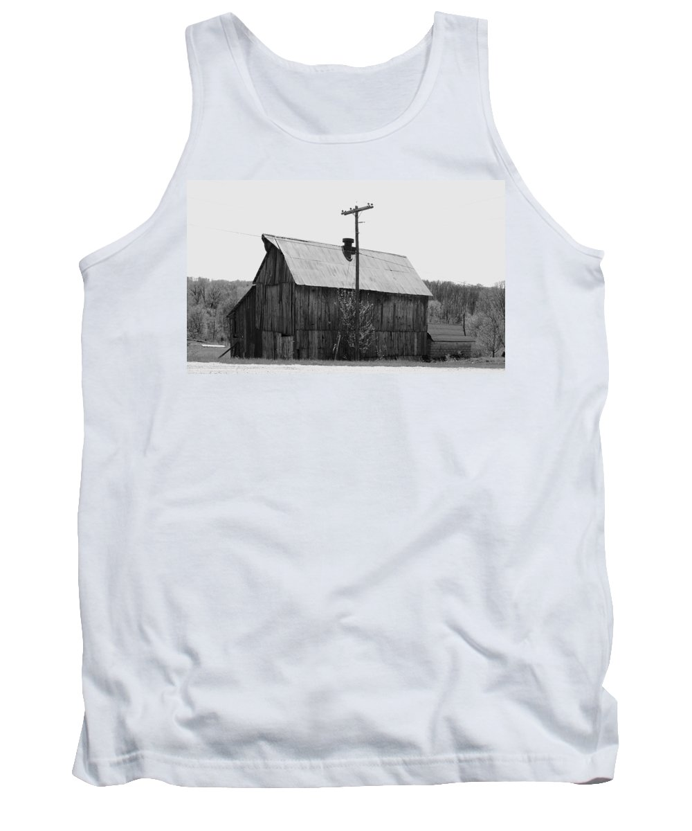 Barns Tank Top featuring the photograph Barn On The Side Of The Road by Angus Hooper Iii