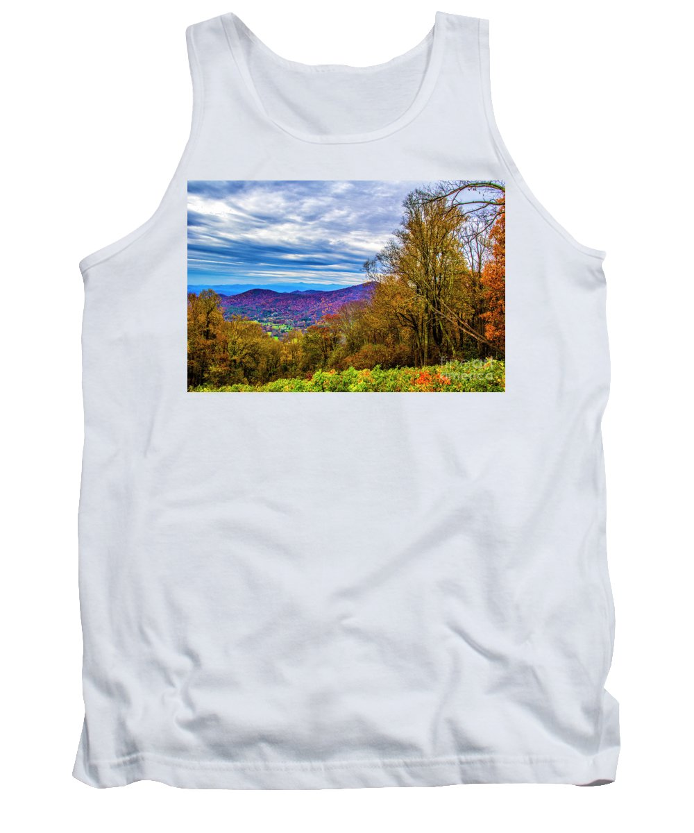 Autumn Leaves Tank Top featuring the photograph Bull Creek Valley by Roberta Bragan