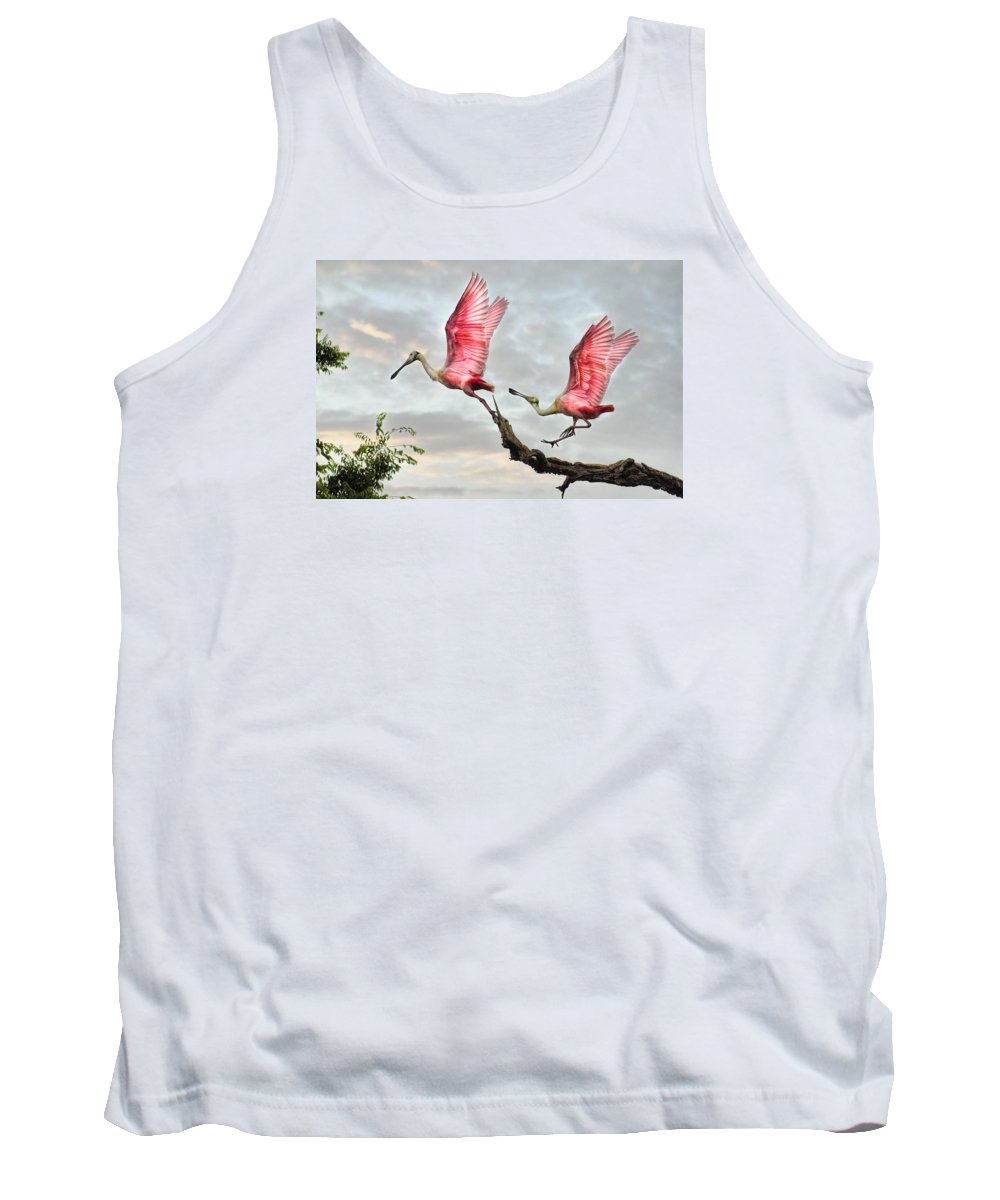 Spoonbills Tank Top featuring the photograph Catch Me If You Can by Brian Tarr