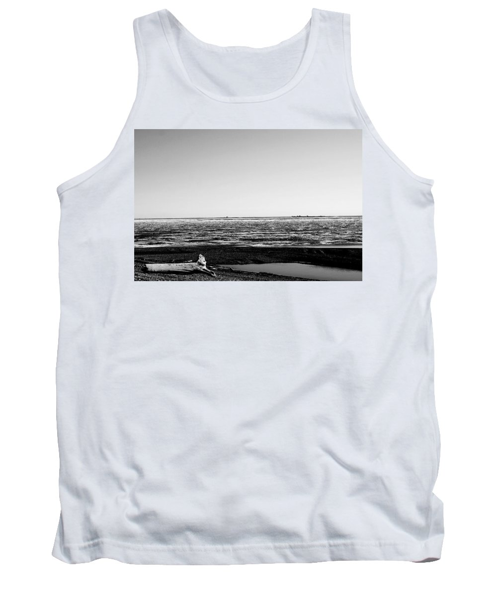 Landscape Tank Top featuring the photograph Driftwood On Arctic Beach Balck And White by Anthony Jones