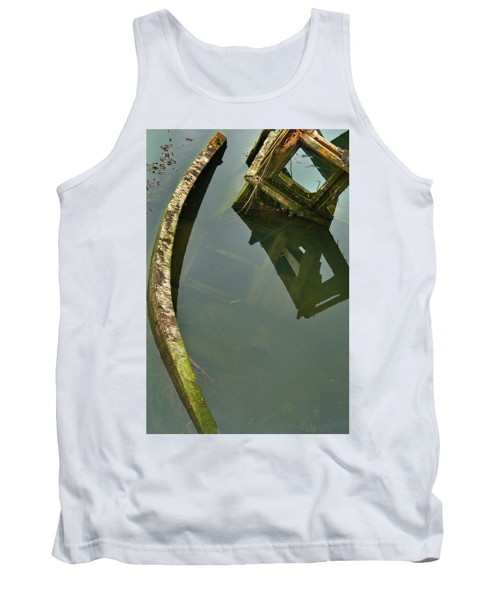 Water. Wreck Tank Top featuring the photograph Going Below by Thomas Glover