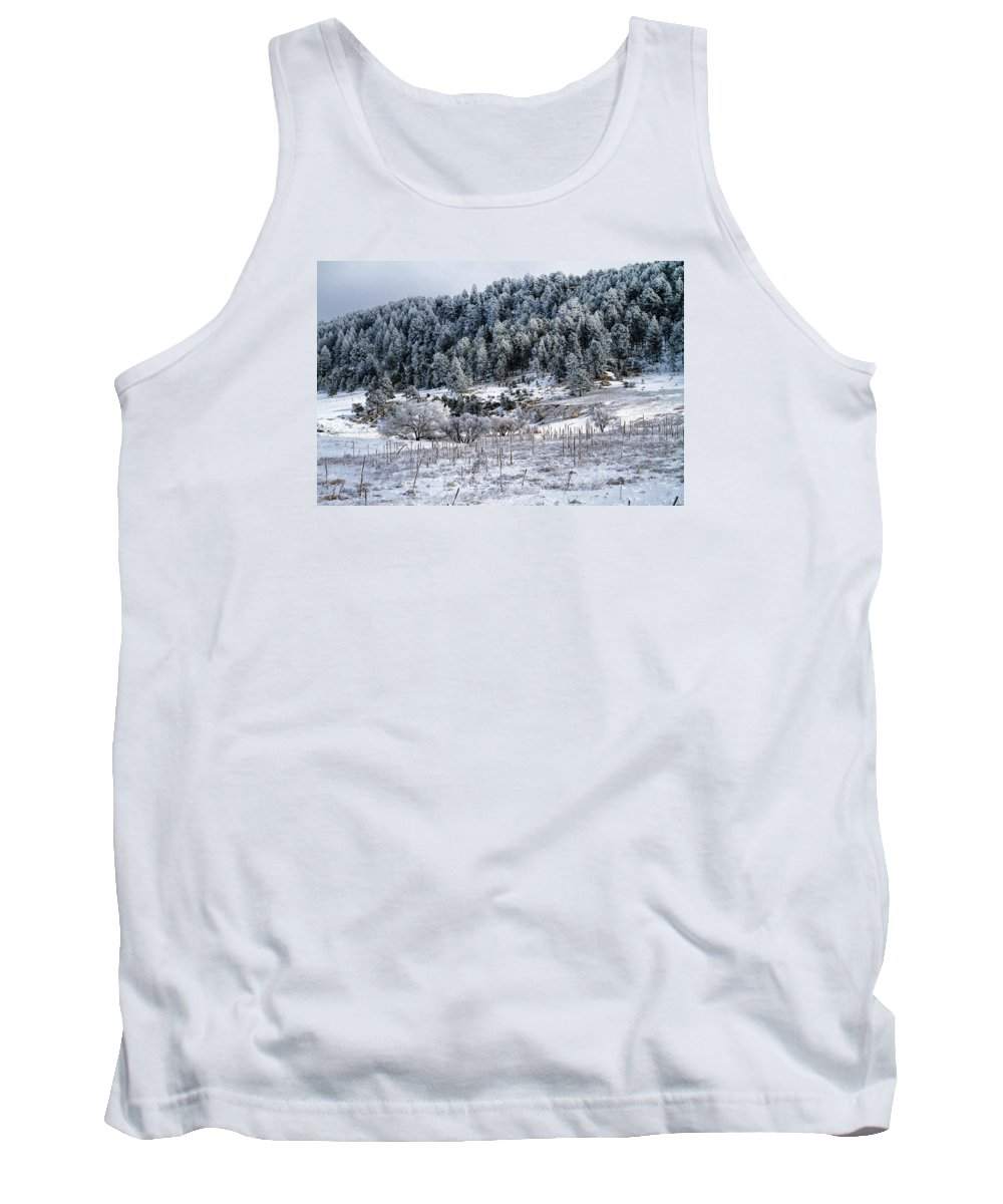 Landscape Tank Top featuring the photograph Into The Valley by Alana Thrower