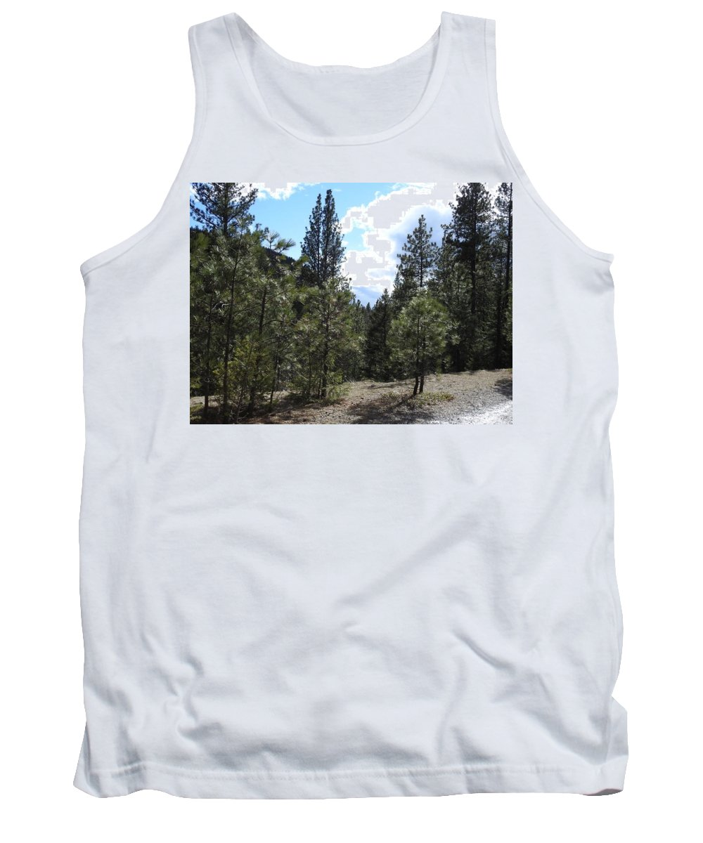 Tank Top featuring the photograph Majesty Squared by Dan Hassett