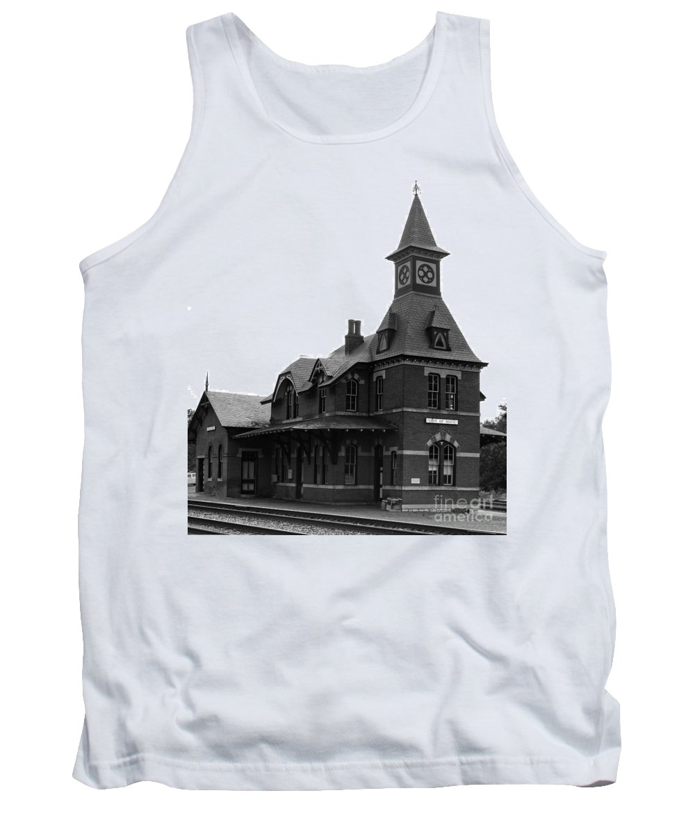 Train Tank Top featuring the photograph Point Of Rocks IIi by Thomas Marchessault