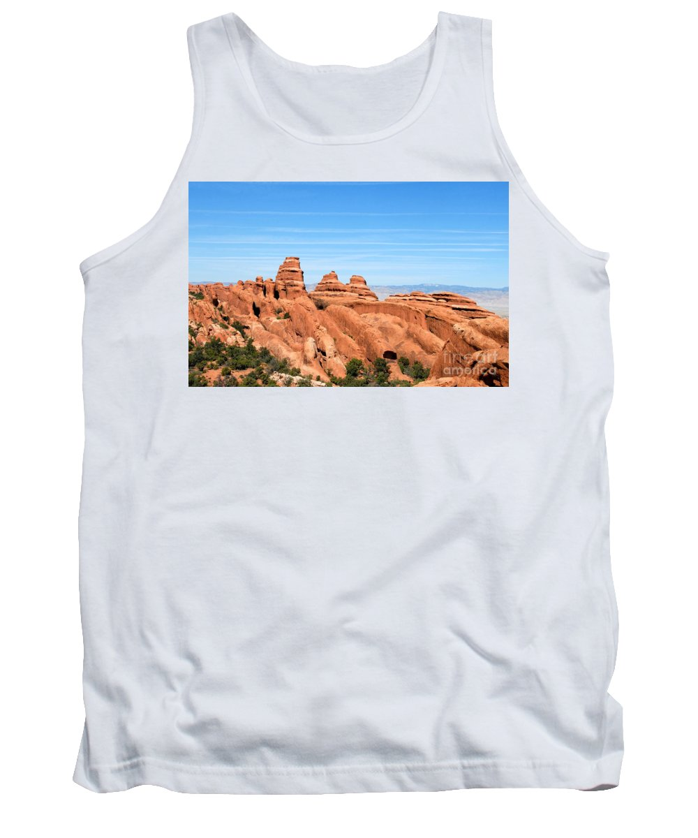 Utah Tank Top featuring the photograph Rocksky by David Lee Thompson
