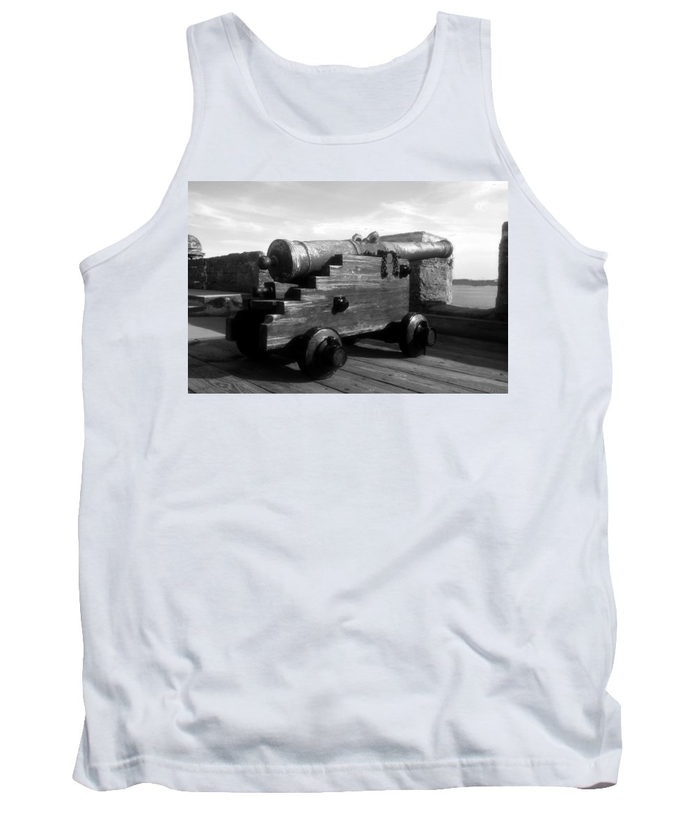 Castillo De San Marcos National Monument Tank Top featuring the photograph The Old Castillo by David Lee Thompson