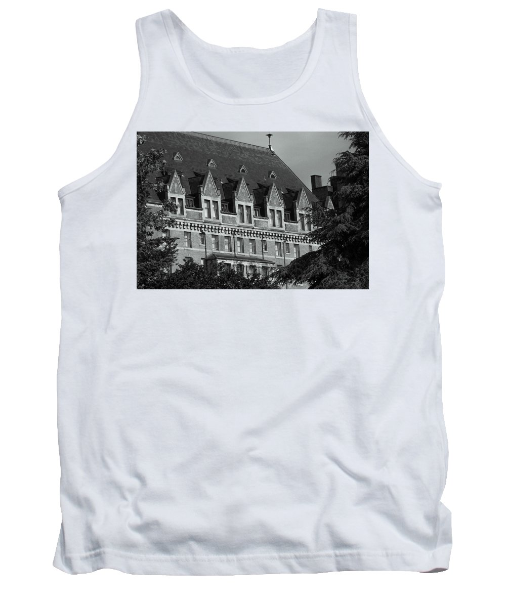 British Columbia Tank Top featuring the photograph Victoria 1 by Brian Fitzgearld