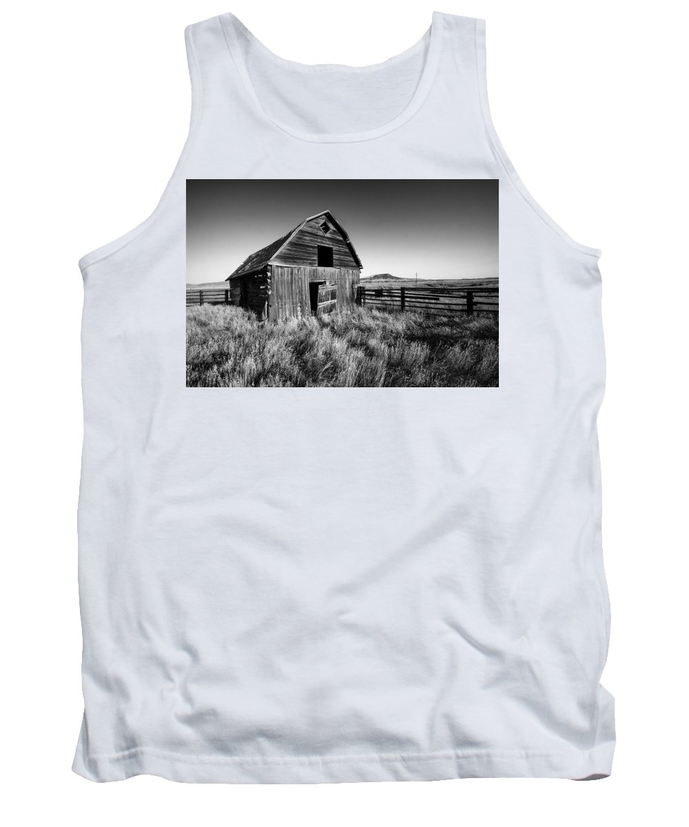Barn Tank Top featuring the photograph Weathered Barn by Todd Klassy