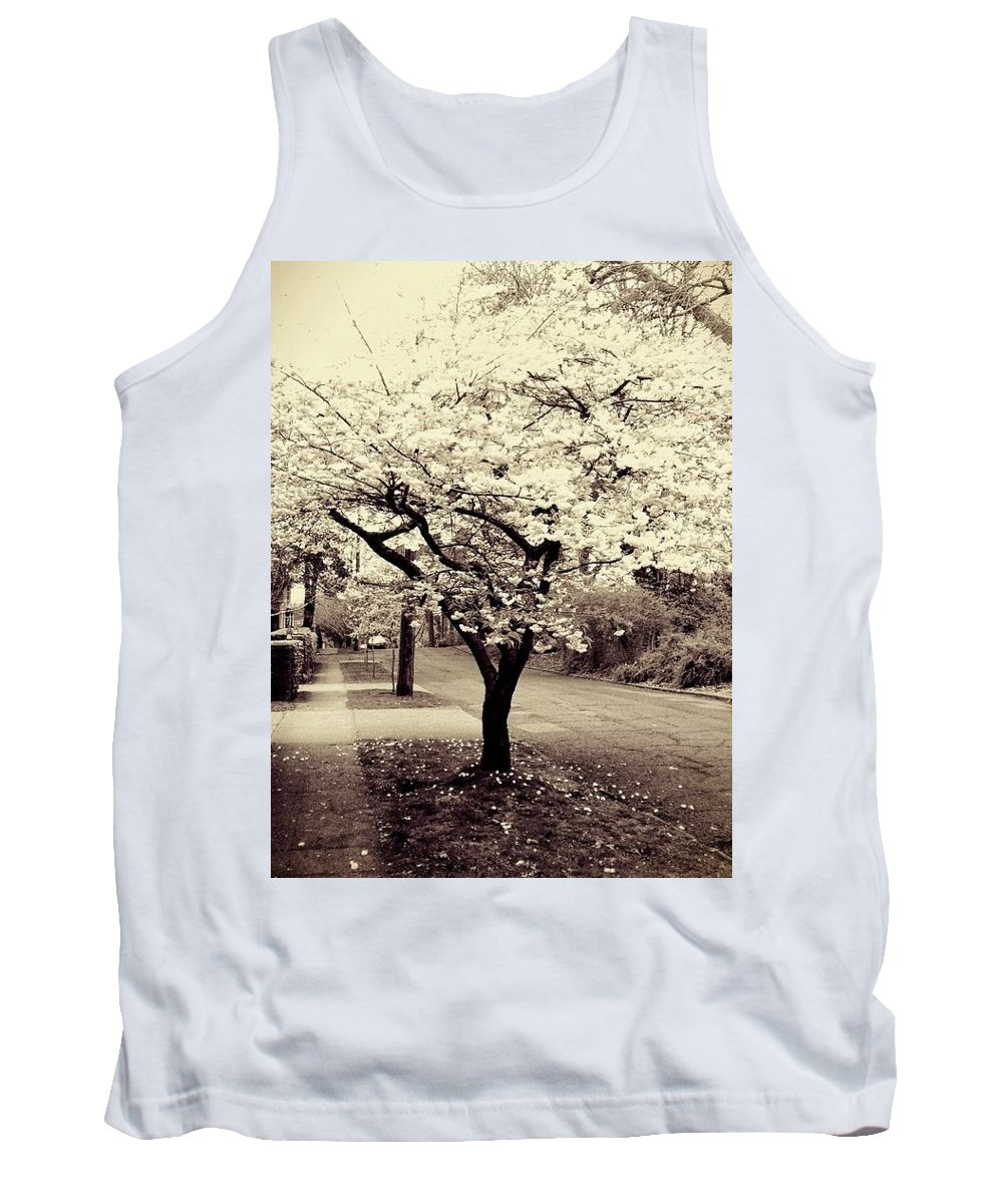 City Tank Top featuring the photograph White Bloomers by Eddie G