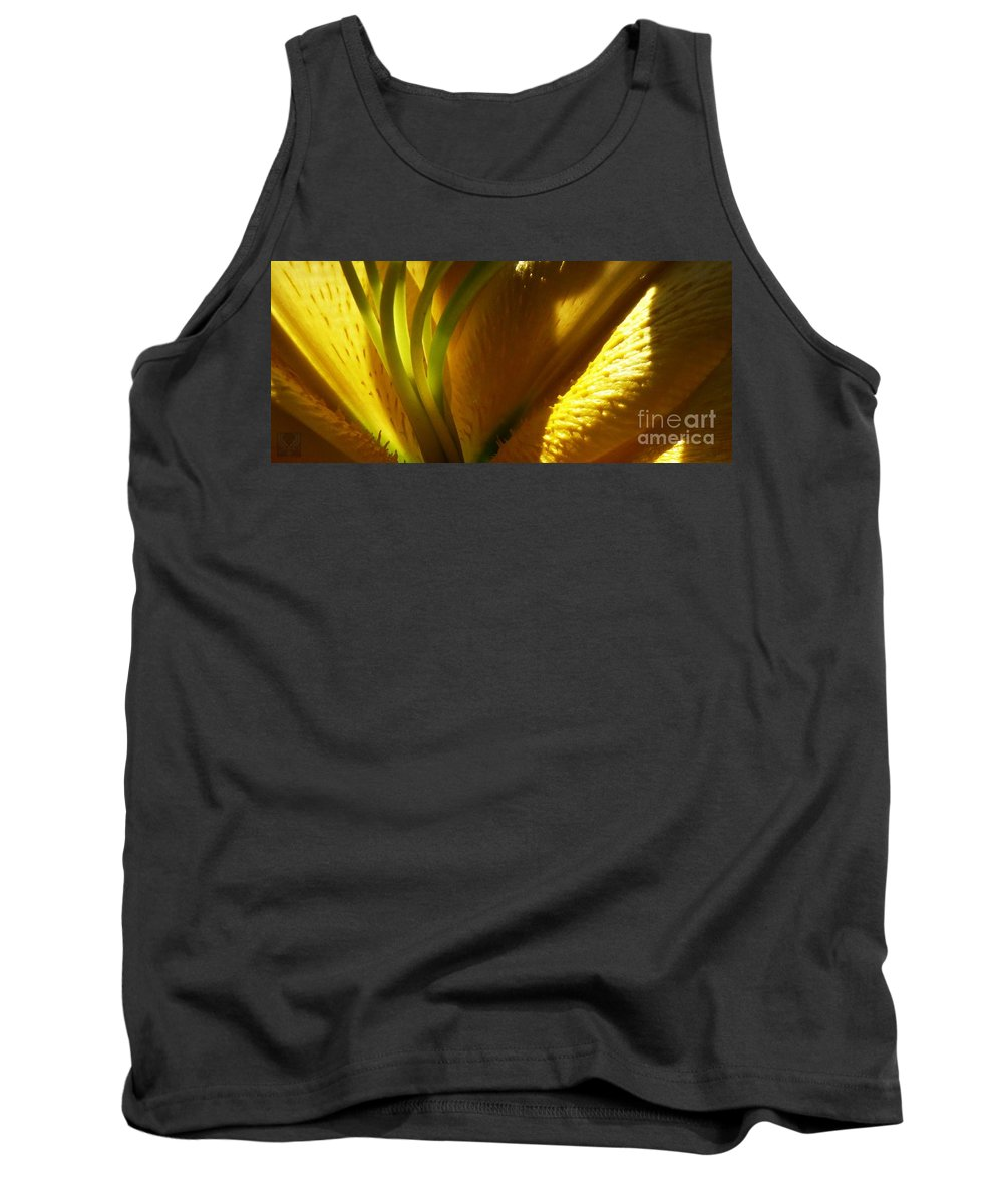 Lily Tank Top featuring the photograph 1 H Na Lily by Dale Crum