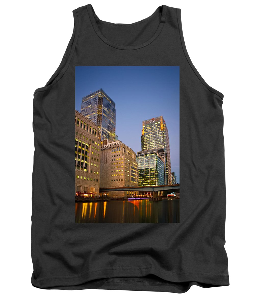 United Kingdom Tank Top featuring the photograph Canary Wharf. by Milan Gonda
