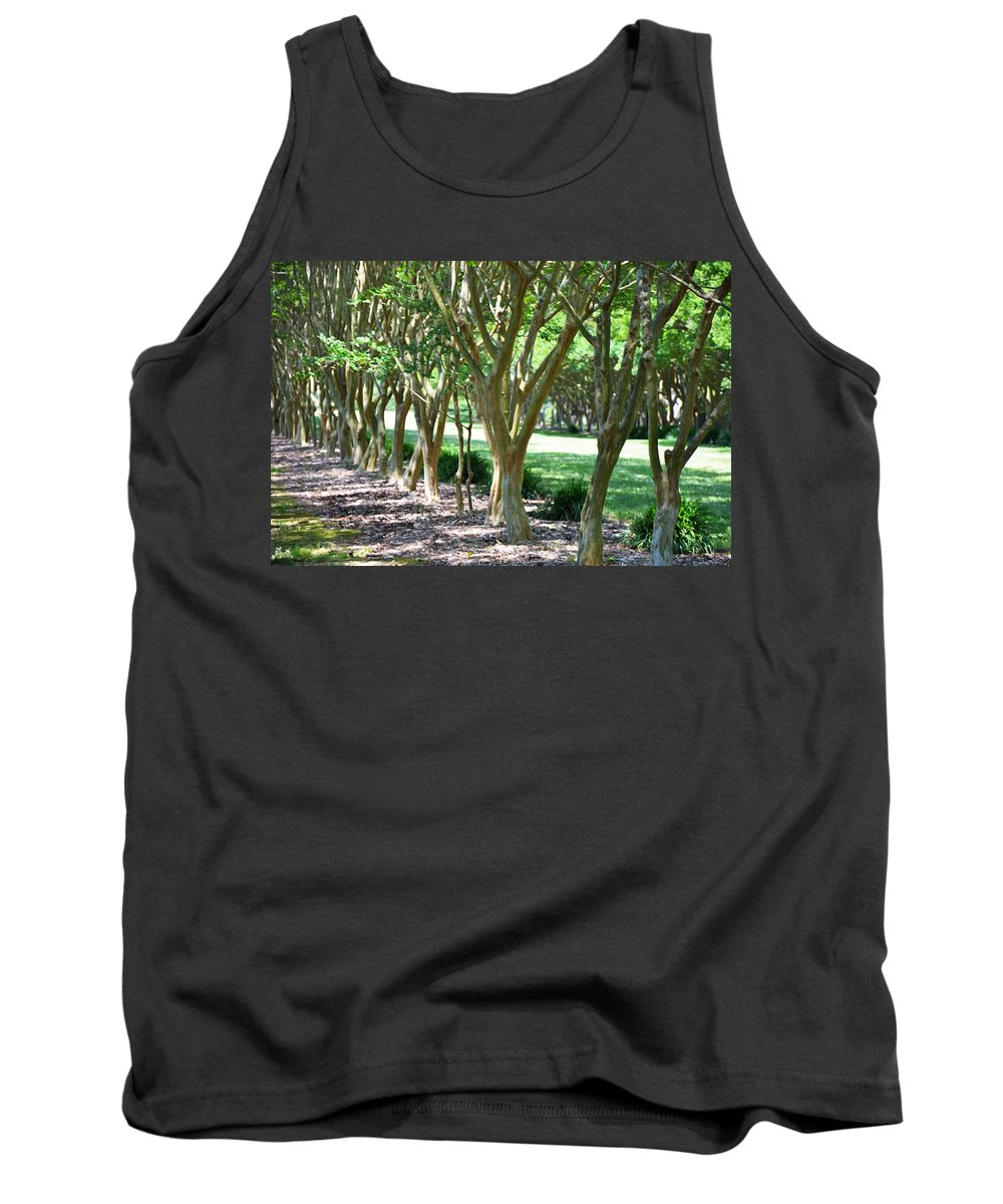 Favorite Spot In The Gardens Tank Top featuring the painting Norfolk Botanical Garden 6 by Jeelan Clark