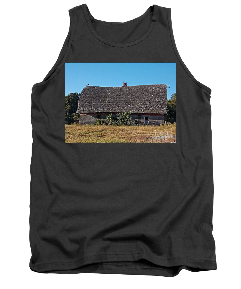 Scenic Tours Tank Top featuring the photograph Bird Of Death by Skip Willits