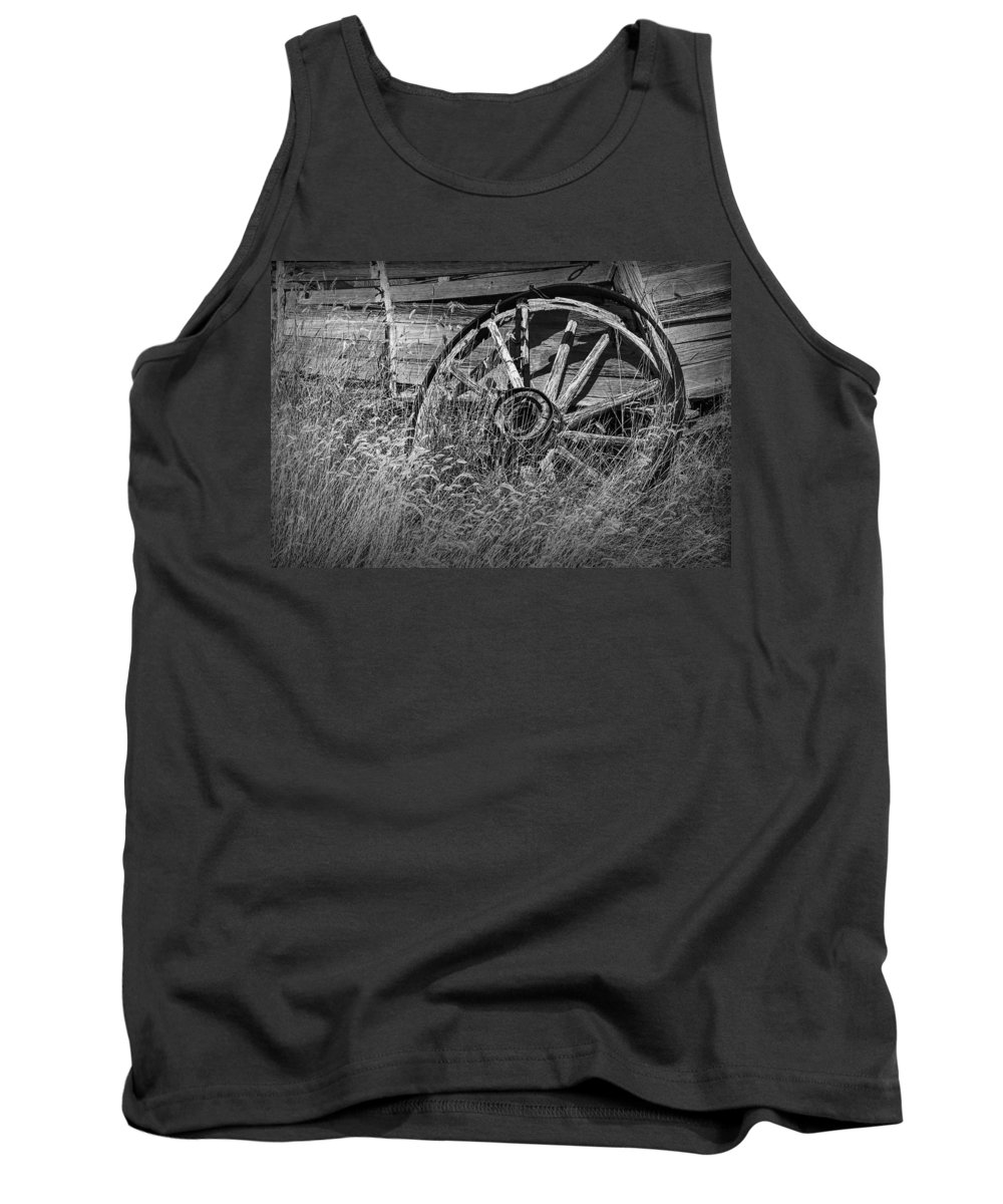Art Tank Top featuring the photograph Black And White Photo Of An Old Broken Wheel Of A Farm Wagon by Randall Nyhof