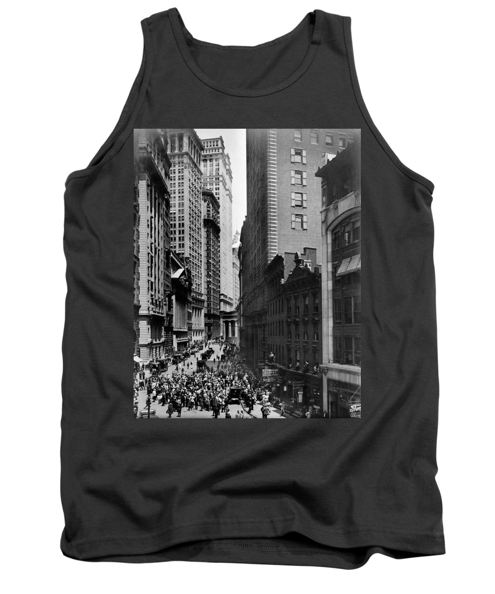 1916 Tank Top featuring the photograph Broad Street, C1916 by Granger