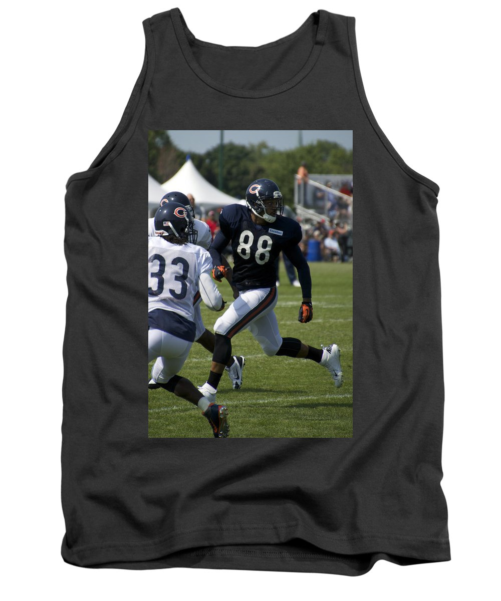 Chicago Bears Tank Top featuring the photograph Chicago Bears Te Dante Rosario Training Camp 2014 04 by Thomas Woolworth