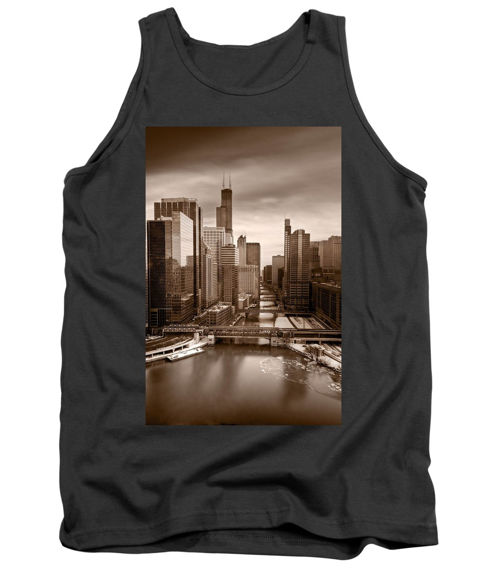Train Tank Top featuring the photograph Chicago City View Afternoon B And W by Steve Gadomski