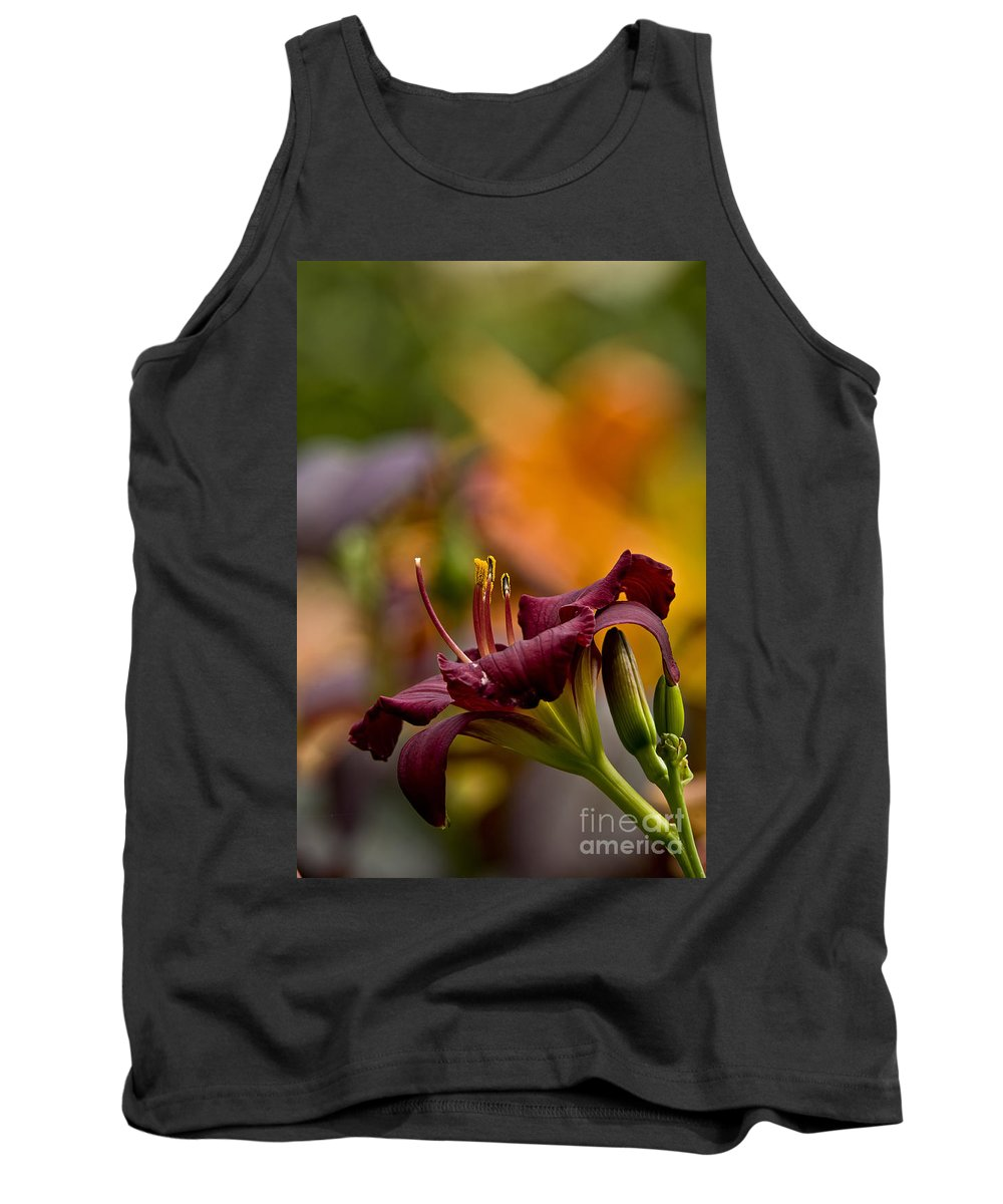 Daylily Tank Top featuring the photograph Daylily Pictures 571 by World Wildlife Photography