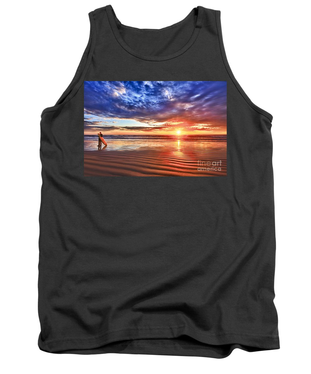 Winter Tank Top featuring the photograph Days End by Beth Sargent