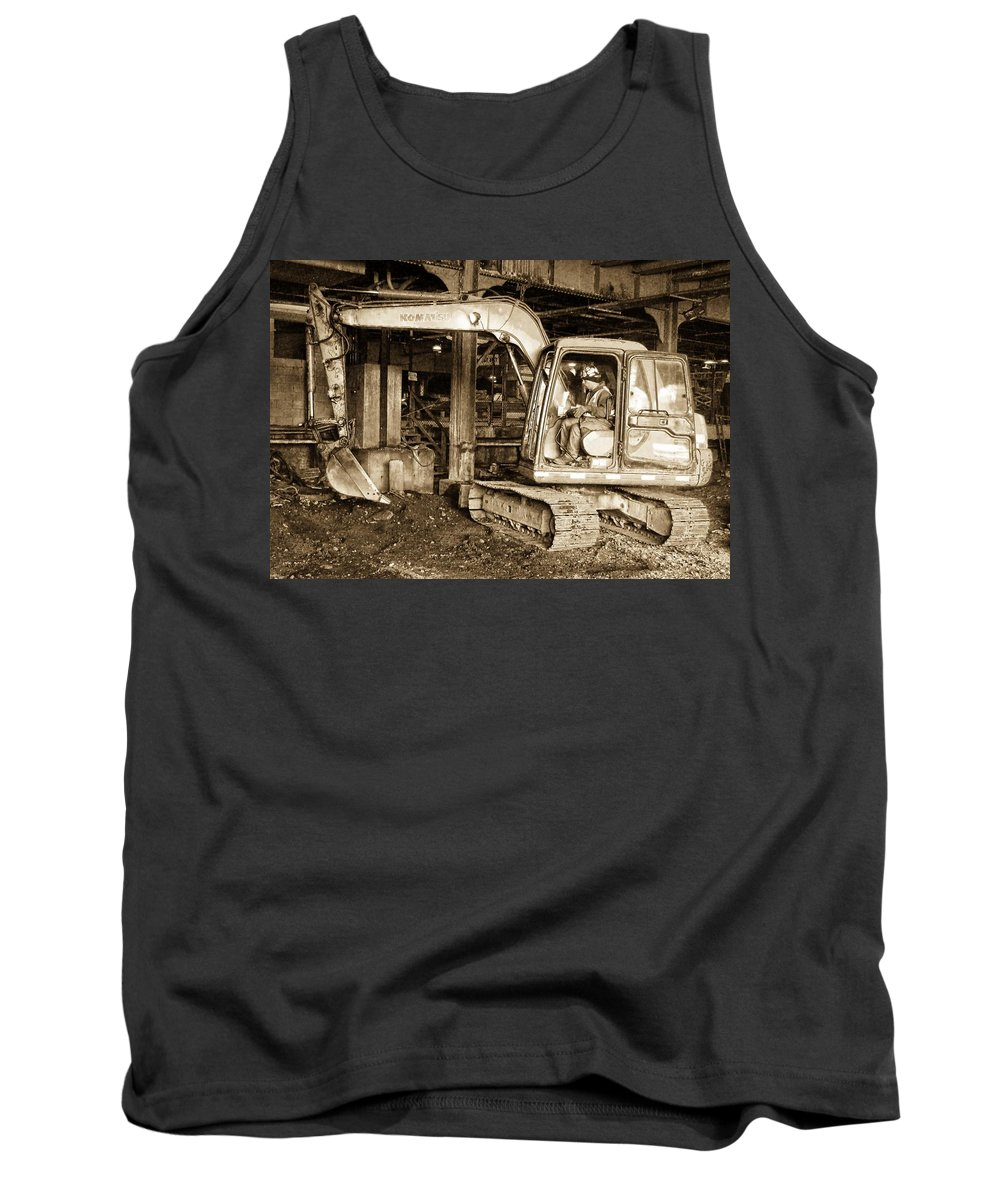 Construction Equipment Tank Top featuring the photograph Dig by Alice Gipson