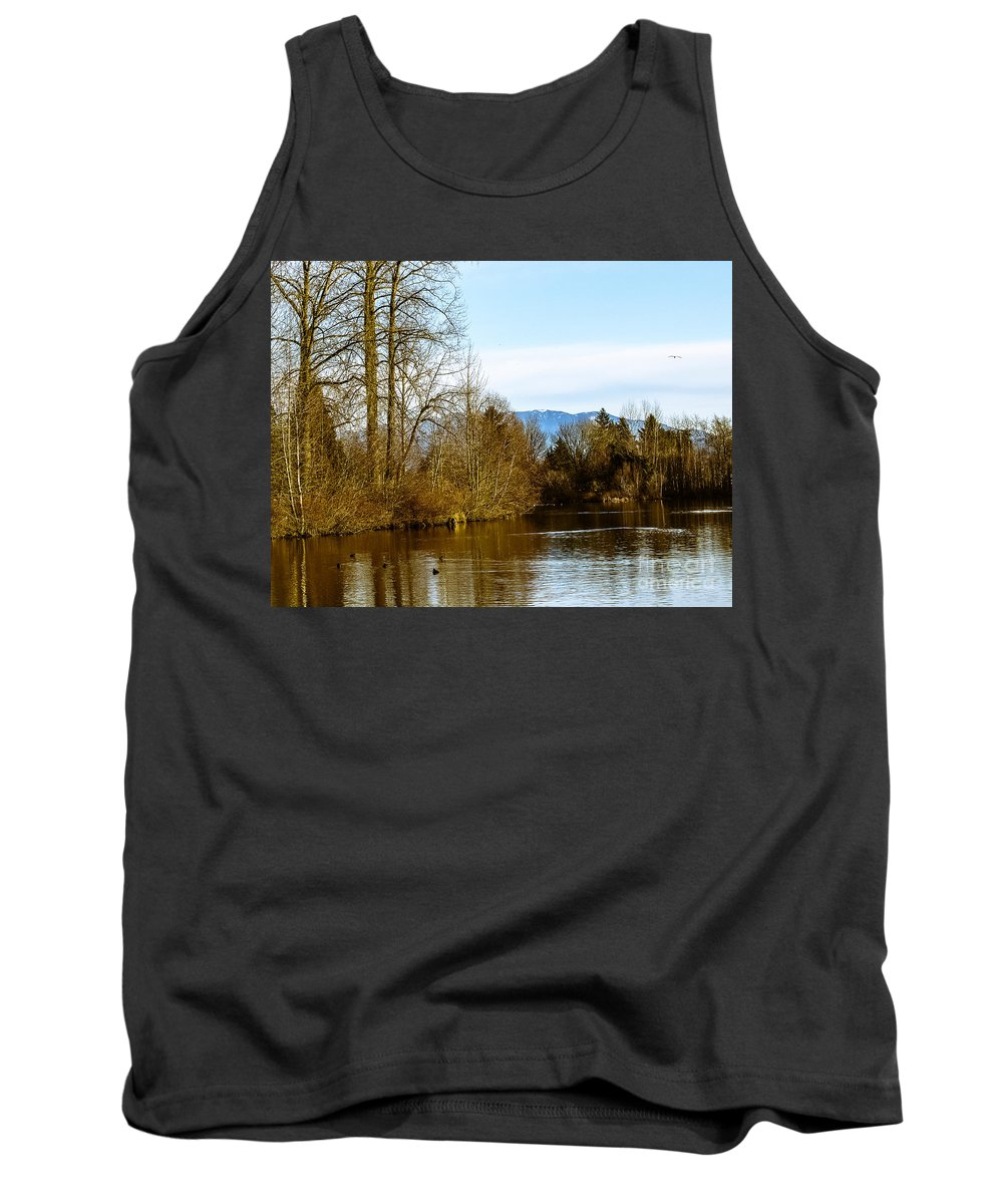 Autumn Tank Top featuring the photograph F2110933 by David Fabian