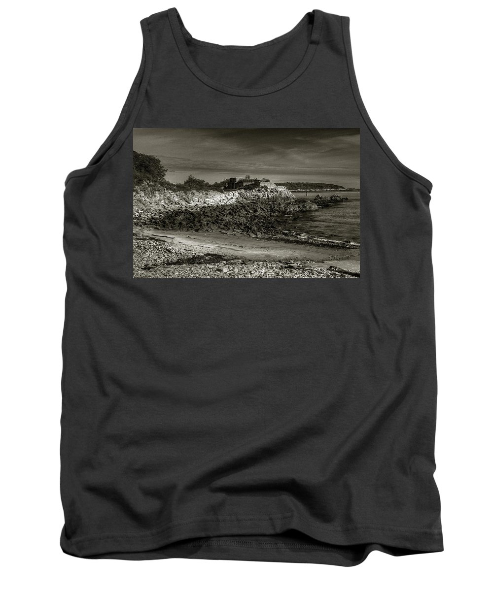 Portland Tank Top featuring the photograph Fort Williams by Michael Kirk