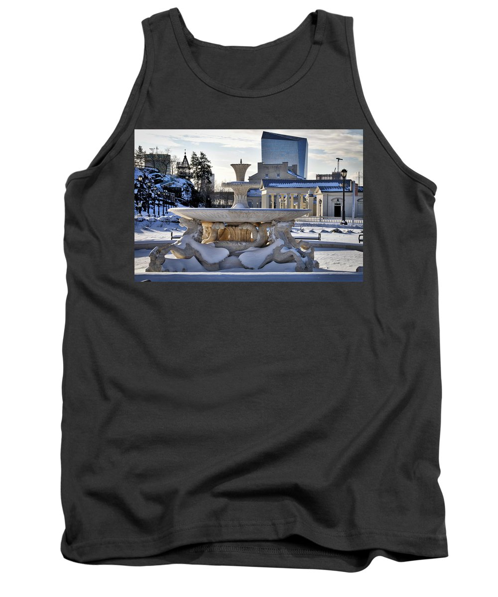 Art Museum Tank Top featuring the photograph Fountain In Repose by Alice Gipson