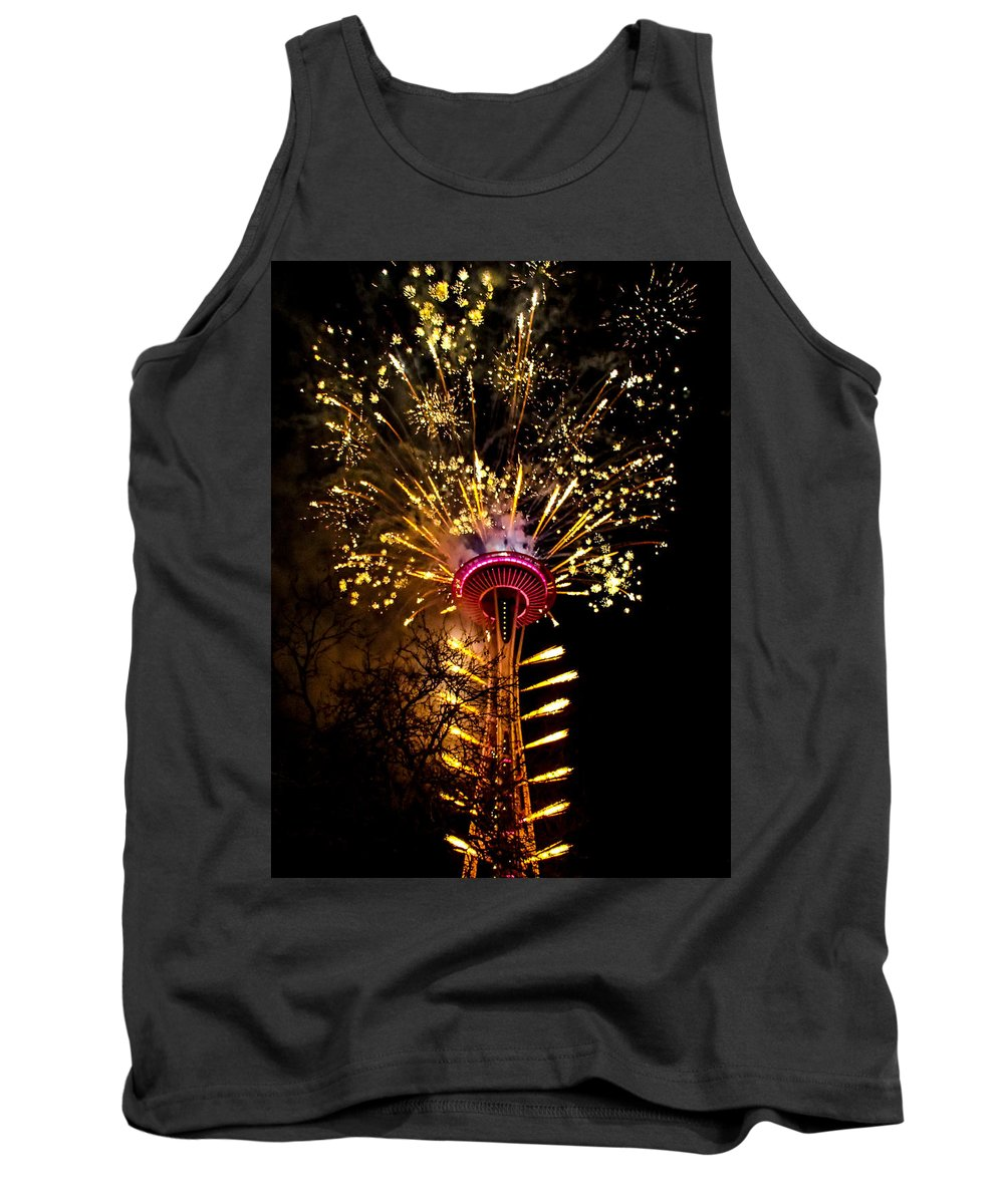 Seattle Tank Top featuring the photograph Full Glory by Angus Hooper Iii