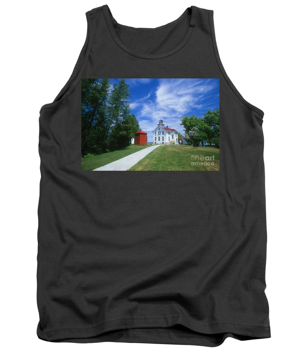 Grand Traverse Lighthouse Tank Top featuring the photograph Grand Traverse Lighthouse by David Davis