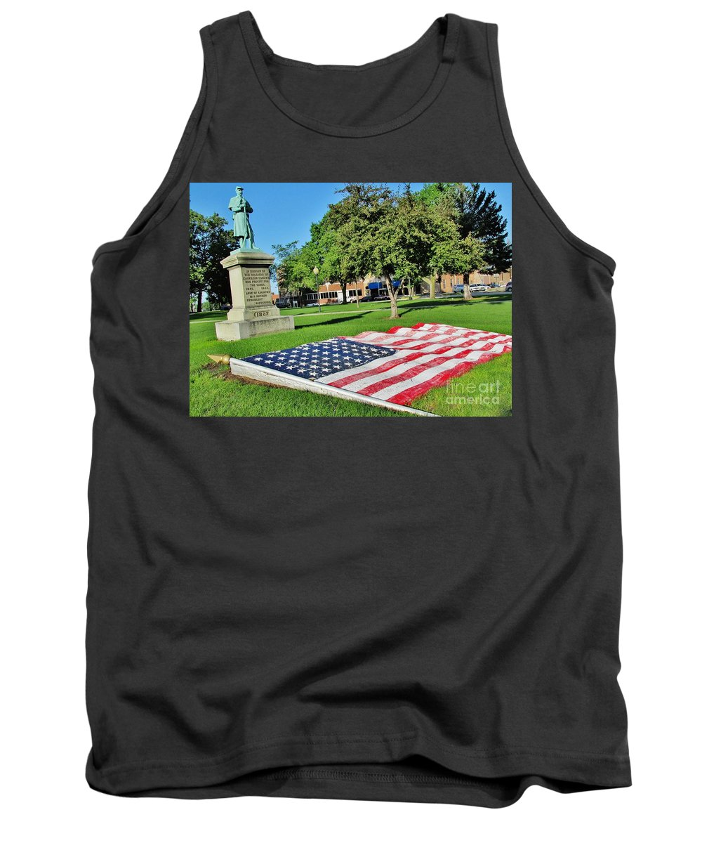 Memorial Tank Top featuring the photograph Kankakee Union Soldiers Memorial by Don Baker