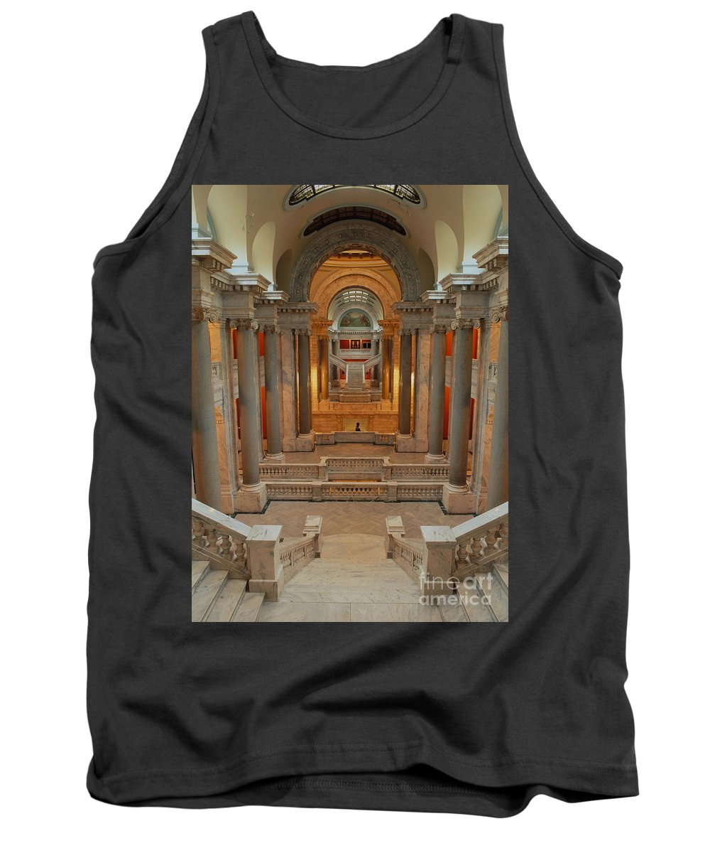State Capital Tank Top featuring the photograph Kentucky State Capital Building by David Davis