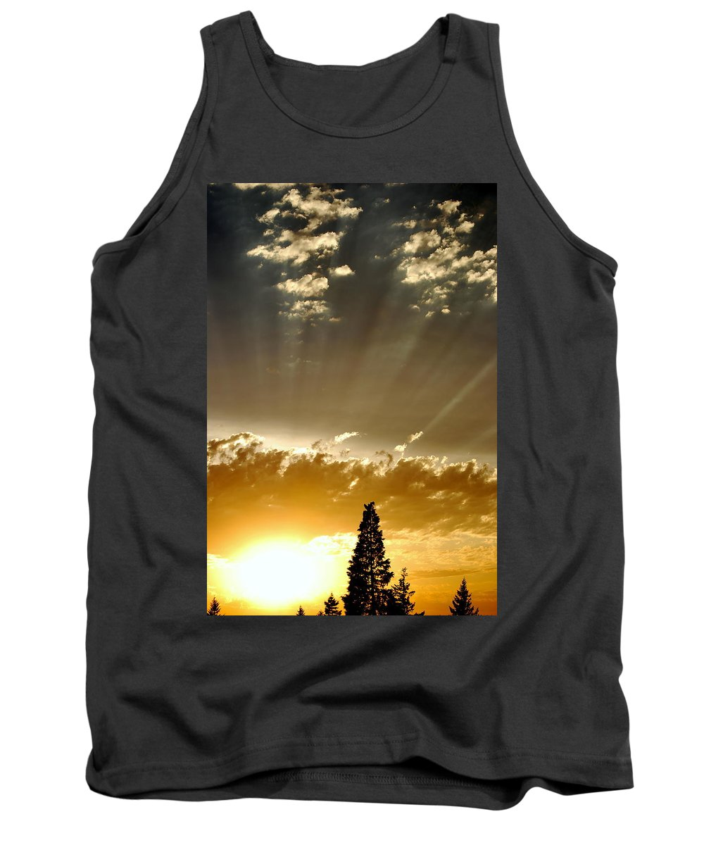Sunset Tank Top featuring the photograph Light My Way by Kathy Sampson