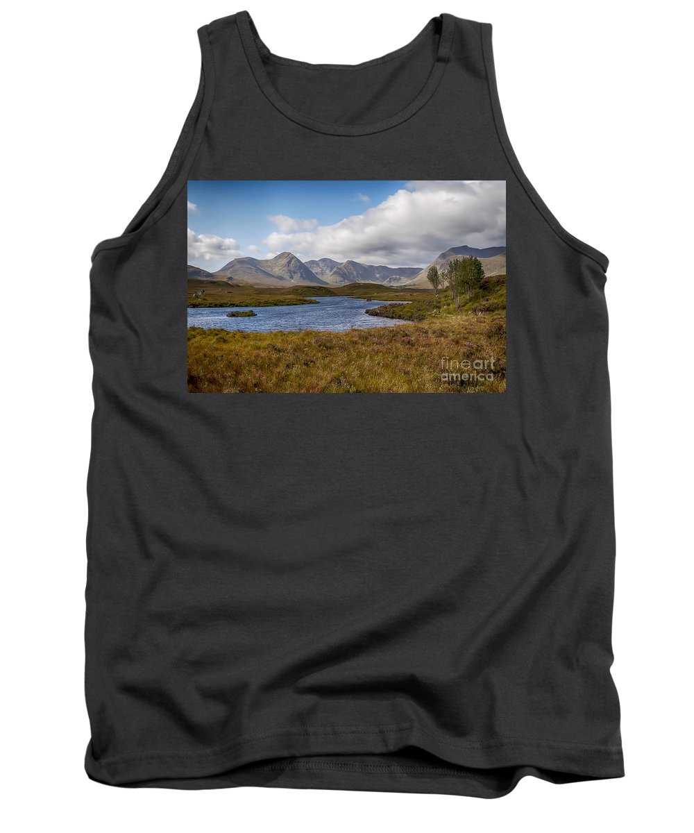Lochan Na Hachlaise Tank Top featuring the photograph Lochan Na H-achlaise by Bel Menpes
