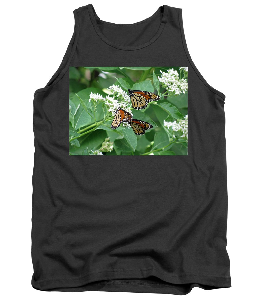 Butterfly Tank Top featuring the photograph Monarch Butterfly 65 by Pamela Critchlow