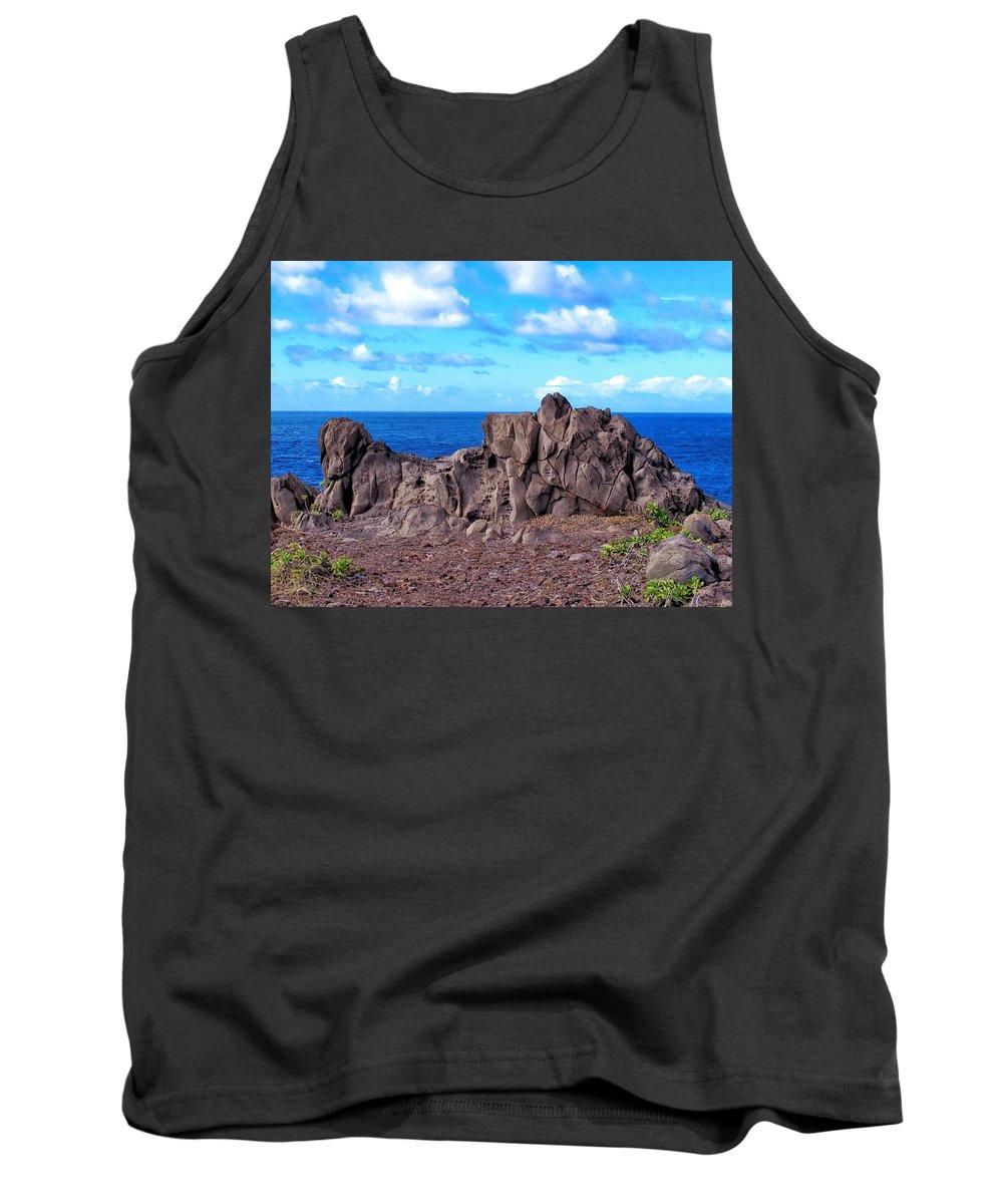 Hawaii Tank Top featuring the photograph Napili 47 by Dawn Eshelman