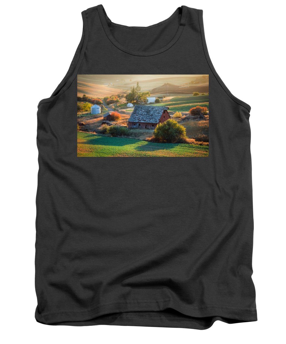 Farm Tank Top featuring the photograph Old Farm In Eastern Washington by Mike Penney