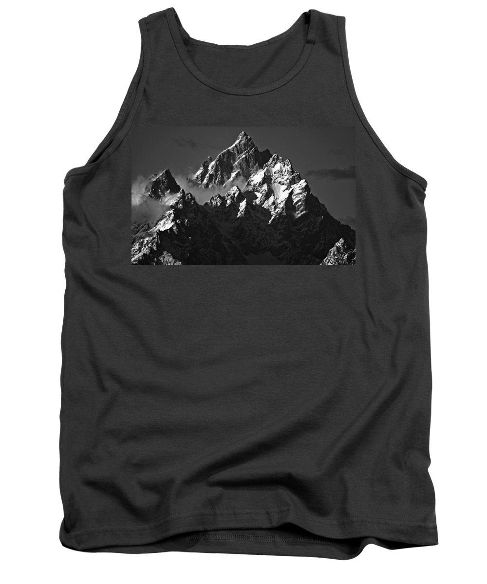Mountains Tank Top featuring the photograph Paramount by Brian Kerls