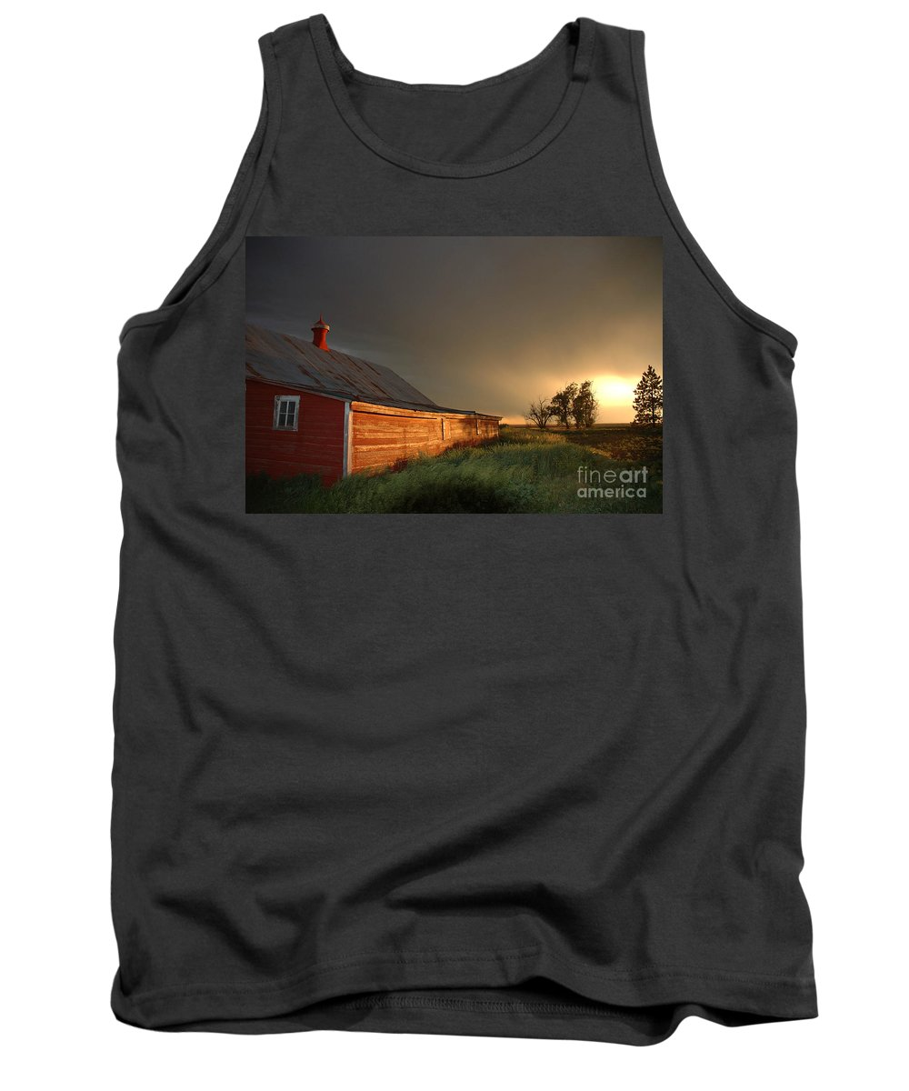 Barn Tank Top featuring the photograph Red Barn at Sundown by Jerry McElroy