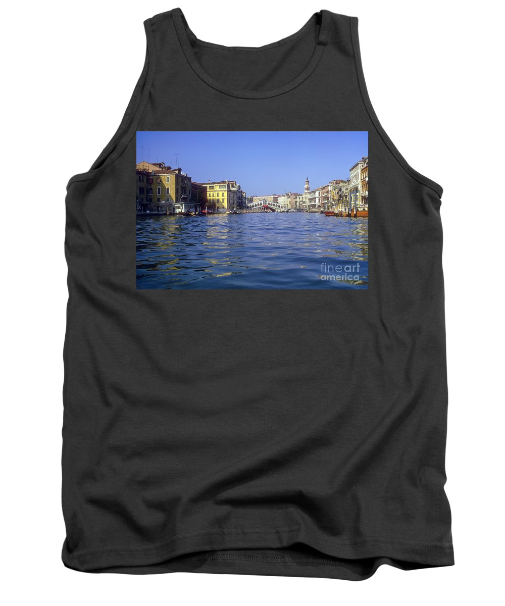Rialto Bridge Venice Grand Canal Canals Building Buildings Structure Structures Architecture Water Boat Boats Bridges Church Churches Gondola Gondolas City Cities Cityscape Cityscapes Italy Tank Top featuring the photograph Rialto Bridge In The Grand Canal by Bob Phillips