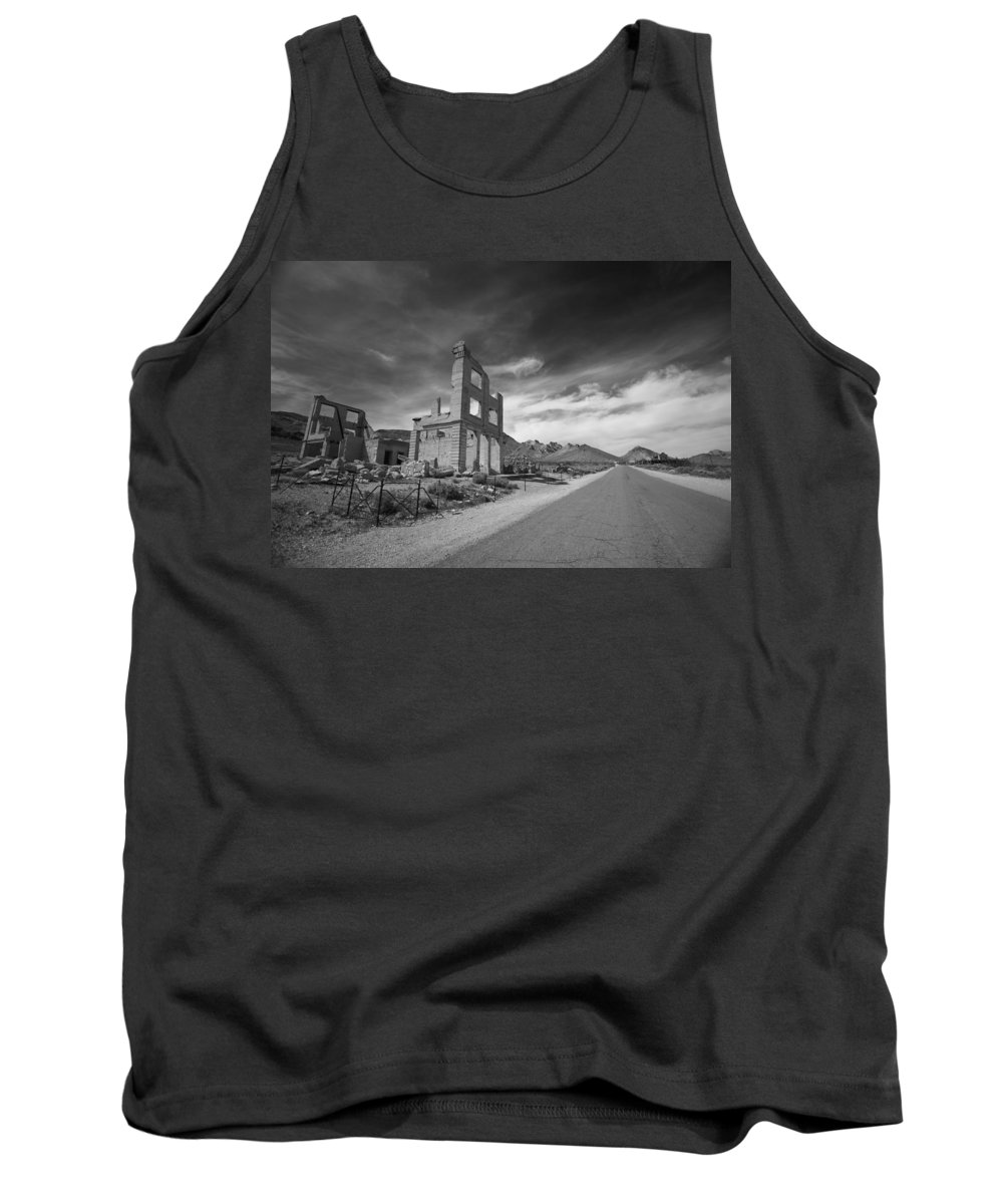 Ryolite Tank Top featuring the photograph Ryolite by Jennifer Ann Henry