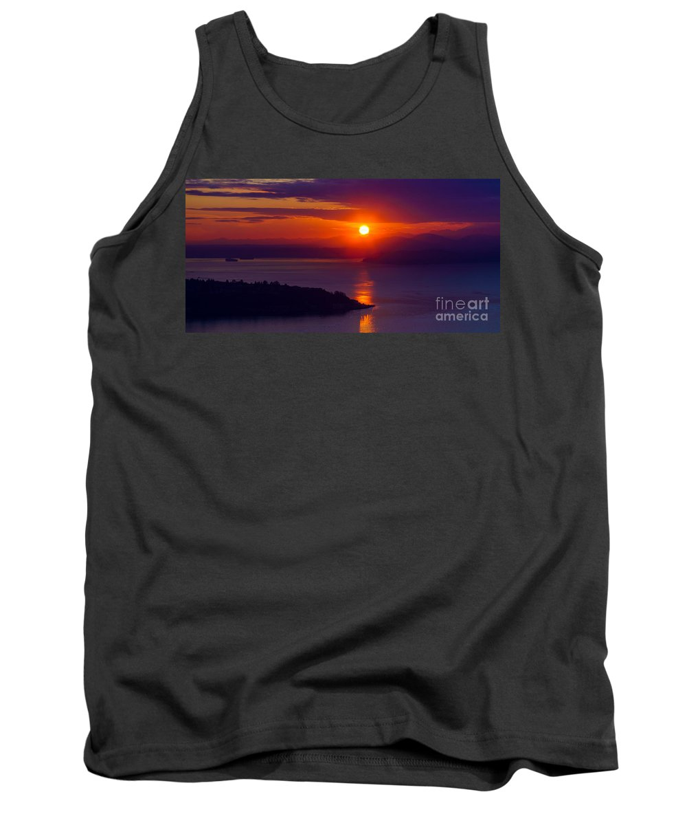 Seattle Tank Top featuring the photograph Seattle Fiery Sunset by Mike Reid